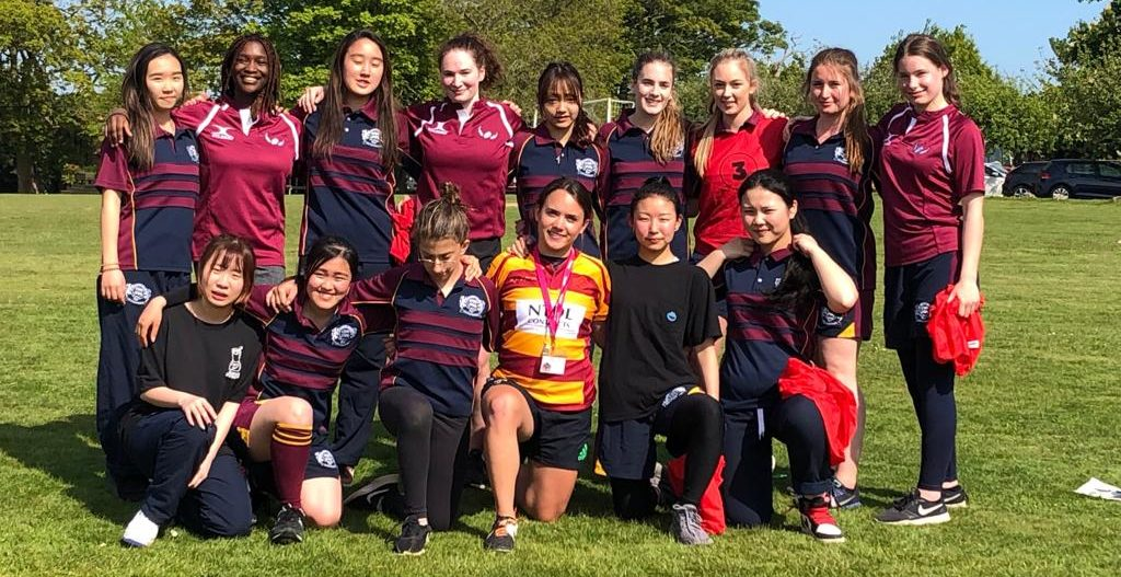 Buckswood girls meet Harlequins player, Ellie Miles for an intensive coaching session